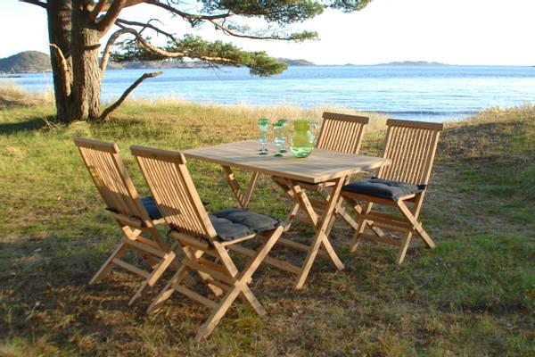 Bilde av Global sett 4 klappstoler+bord 120x70 cm - teak