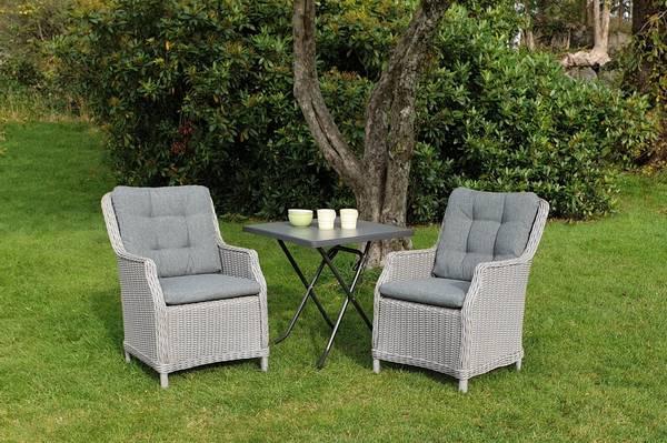 Bilde av Bergamo sett 2 stoler m/puter+Sevelit bord 70x70 cm - askegrå/fjellgrå