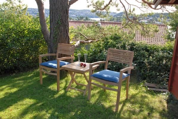 Bilde av Figaro sett 2 stabelbare stoler+sammenleggbart bord 50x50 cm - teak